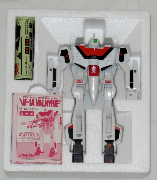 Bandai Variable Fighter VF-1A Valkyrie 1984 styrofoam no box cover from the movie Macross: Do You Remember Love?(超時空要塞マクロス 愛・おぼえていますか) 1984 DYRL