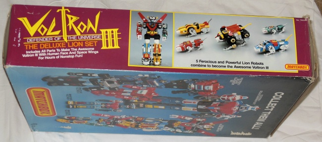 Matchbox Voltron III Defender of the Universe The Deluxe Lion Set side cover other names Beast King GoLion, Hundred-Beast King Go Lion, Hyakujū Ō Golion, King of Beasts Golion, Lion Force Voltron, Voltron of the Far Universe, Voltron, difensore dell'universo, Voltron, el defensor del universo, 百獣王ゴライオン
