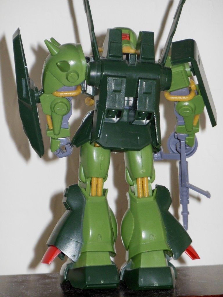 High Complete Model RMS-106 HiZack 1-144 Z Gundam HCM 18 Bandai Japan back of robot