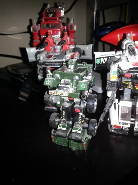 "Hound Transformers 1984 Generation 1 Autobot Hasbro J59 Jeep Foreign names Japanese- Hound (ハウンド Haundo), French- Dépisteur (Canada, ""The Tracker""), Italian- Canguro (""Kangaroo""), Mandarin- Lìeh-chiuǎn (Taiwan, 獵犬, ""Hound""), Tan Zhang (China, 探長, ""Chief Detective""), Portuguese: Caçador or Rastreador"