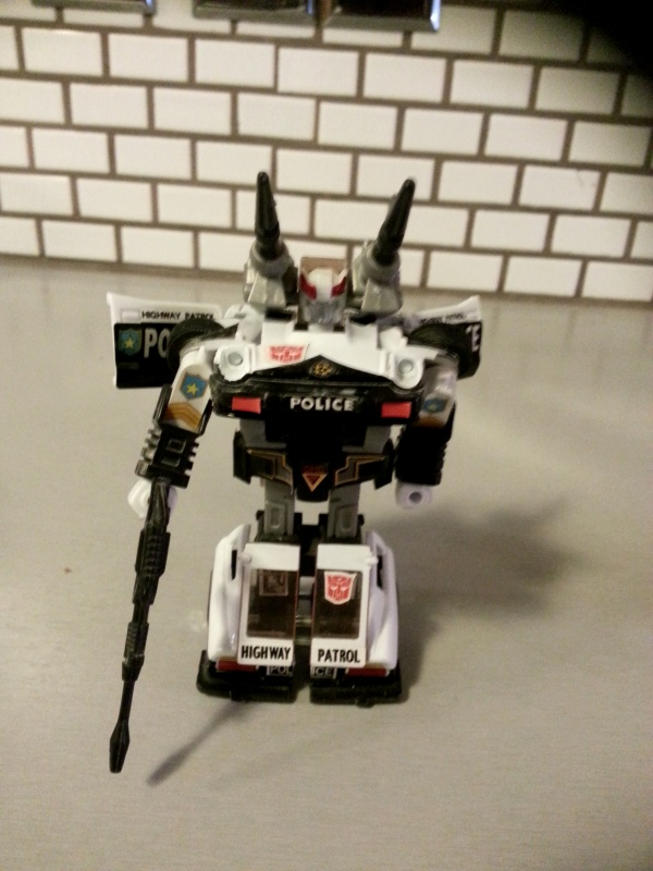 Prowl(プロール Purōru or Tsim-Hang-Shou (潛行獸)) Transformers 2003 G1 Commemorative Series IV Hasbro Japanese ID number 09