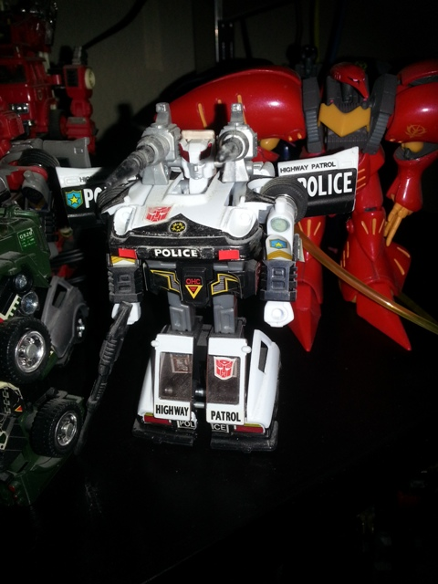 Prowl(プロール Purōru or Tsim-Hang-Shou (潛行獸)) Transformers G1 Commemorative Series IV 2003 Hasbro Japanese ID number: 09  Autobot