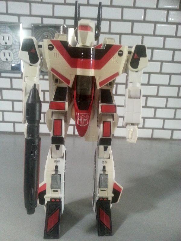 Jetfire Transformers Generation 1 Autobot Hasbro 1985 this robot was a retooled version of  the Macross VF-1S from Takatoku Toys