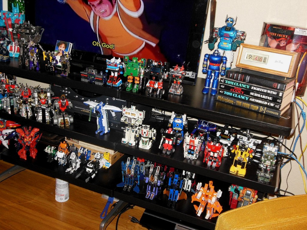 Dave's Collection mostly shows Transformers with a sprinkling of Godaikin and Gundam robots