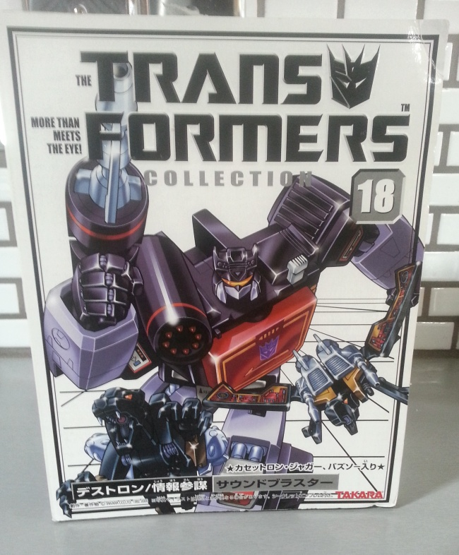 Soundblaster/Soundwave with Buzzsaw and Ravage G1 Decepticons Takara 2003 The Transformers Collection