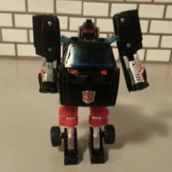 Trailbreaker 1984 - Transformers Autobot Generation 1 G1 robot Japanese ID number: 25 Foreign names Japanese- Trailbreaker(トレイルブレイカー Toreirubureikā), French- Glouton (Glutton), Italian- Tuono (Thunder), Mandarin- Kāi-lù Hsīen-fēng(開路先鋒, Trailbreaker), Portuguese - Pica-Trilhos, Abre-alas