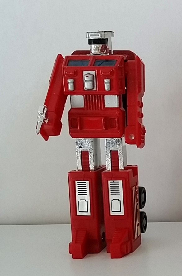 MachineRobo(マシンロボ) MR-10 Fire Robo (ファイヤーロボ) 1982 Popy Bandai robot front angle Machine Men from anime Machine Robo Revenge of Cronos(Chronos no Gyakushuu マシンロボ クロノスの大逆襲) 1988-1989 and Challenge of the Gobots 1983-1987 aka Pumper