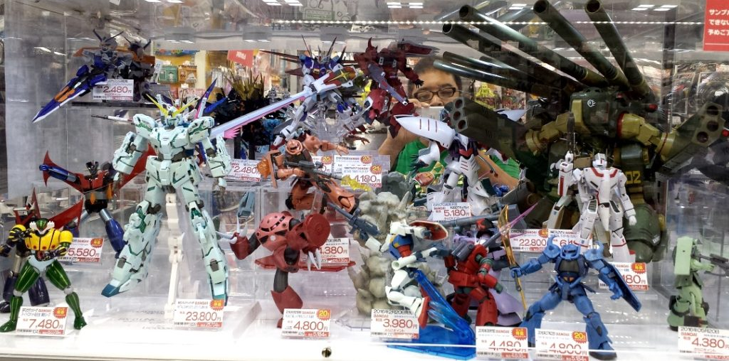 Bic Camera Display of Votoms, Gundam, Jeeg, Mazinger, Destroid Monster, Valkyrie robots